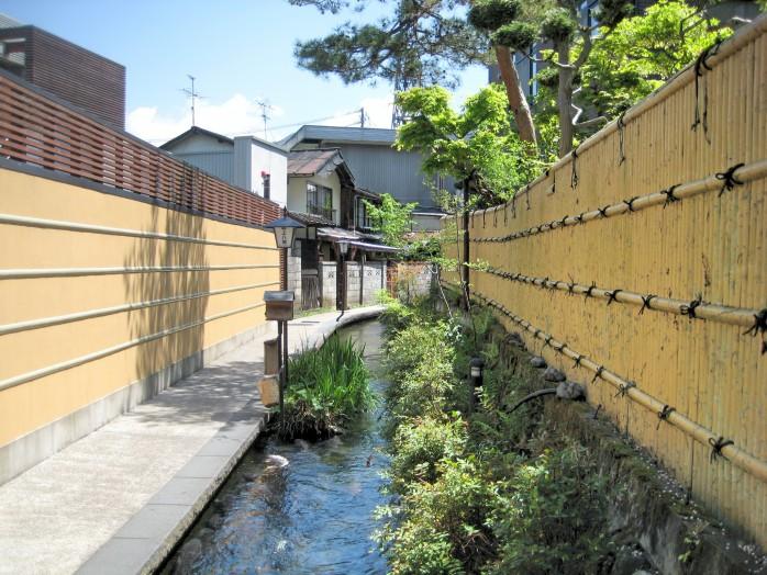05 Gujo-Hachiman_Igawa path (Japanese Igawa komichi)