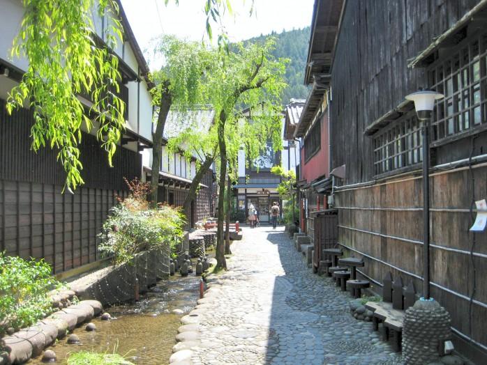 06 Gujo-Hachiman_Yanaka water path (Japanese Yanaka mizu no komichi)