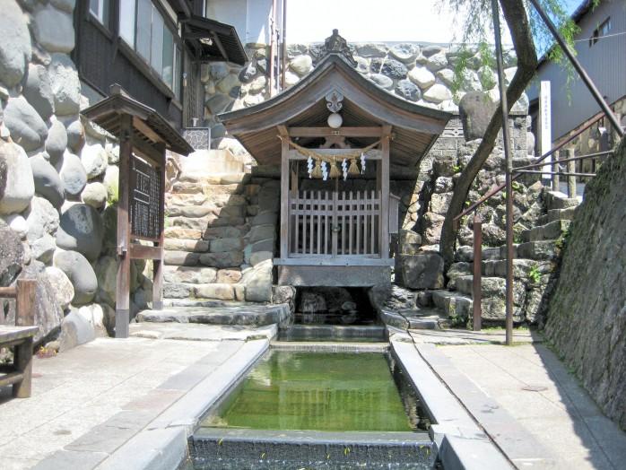 07 Gujo-Hachiman_Sogi-water (Japanese Sogi-sui)