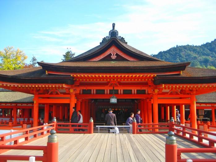 02 Stage of Itsukushima Shrine