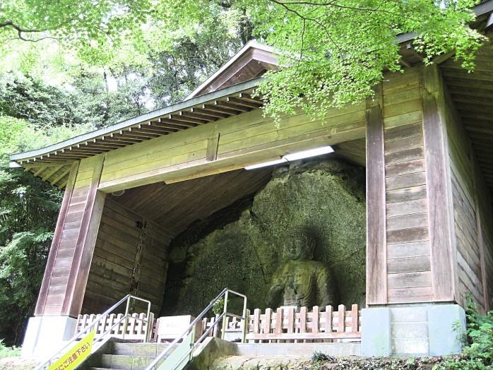 05 Usuki Stone Buddhas