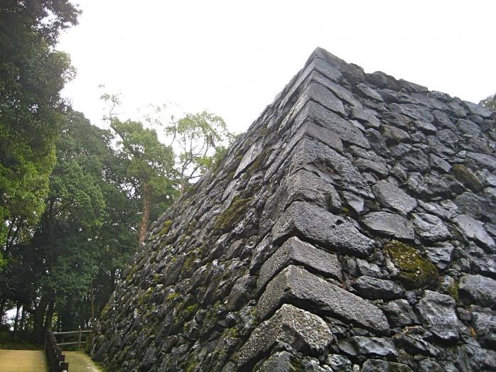 05 Original stone foundation of Iwakuni Castle
