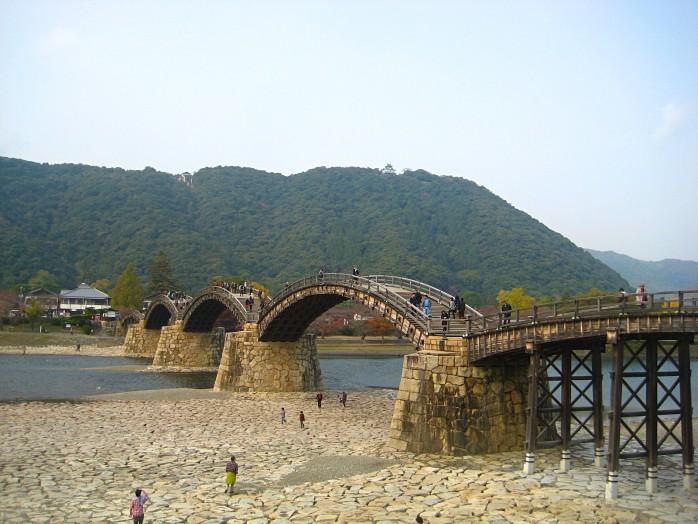 06 Kintai Bridge and Iwakuni Castle