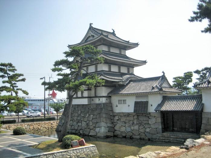 04 Takamatsu Castle_Tsukimi turret